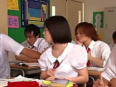 Linda chorros de colegiala de asiática a Yui que Tsubaki