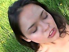 Girlfriend Näytetään iholle Park