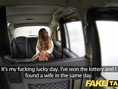Fake Taxi Creampie für Rimming gebräunte Babe