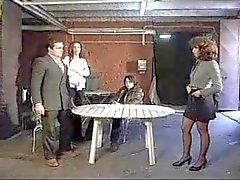 Simona Vallin Italialainen vankilaan nelinpeli