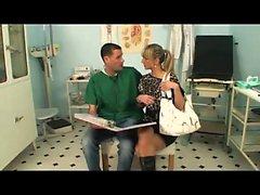 Cute paziente scopata dal medico in clinica-MoreOn HDMilfCam com