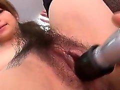 Experiencia sexy de la pornografía de la oficina a lo largo de Maki Hojo
