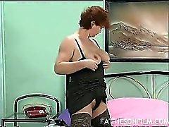 morena abuelita masturbación