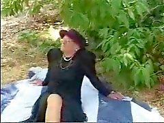 Draußen Großmutter bumsen