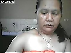 Aux gros seins mûre Filipina frotter