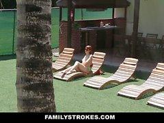 FamilyStrokes - Hot Passo Sis ricattato e scopata dal fratello