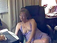 Reizende mit Oma Gläser eins