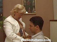 Mamada maduras italiana - de Matura italiana ed pompino una ragazzo eccitato
