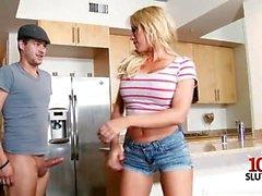 Cumshot ile Big Tits kız arkadaşı titty fuck