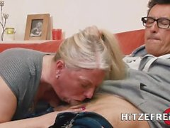 HITZEFREI German MILF Rosella Extrem has her pussy stuffed