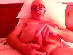 Vieil homme justaucorps et le cumin sur la came