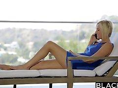 Затемненном Кейт Англию получает Сексуальные интересы Анальный секс Би На