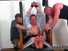 Vidéo de sexe gay de sexe masculin à mâle Gordon Bound & Tickle d