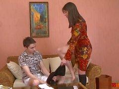 18videoz - Teeny tutor veut baiser