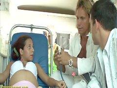ambulanza in gravidanza bus cazzo orgia