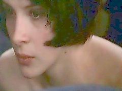 Juliette Binoche nähnyt kokonaan alaston takapuolelta koska hänen