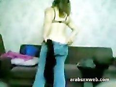 Syrischer arabischen Muslim Mädchen Saugen an eines kleinen Fünf Cm Asiatische Arabische Penis