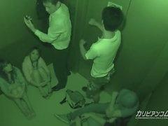 Atrapado en Elevator Maika y Aoi Miyama - Más en caribbeanco