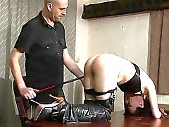 Amateur BDSM and bedroom Prügel des fügsam der Fa