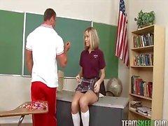 koulutyttö vastaan mulkku