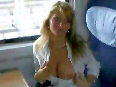 Chouchou Open Your Legs Huisgemaakte Piercing Pov oogpunt van openbare Tease strakke tieten Titty neuken