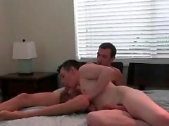 Horny gays jerk off dongs mostrar seus buracos ass