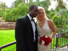 Невеста и жених ебет на их большой день