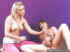 Beiden großen Hahn Girls lieben jeweils jerking