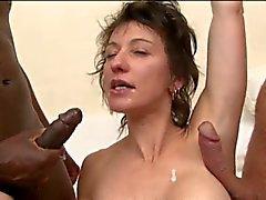 Double anal voor Franse MILF Zaza