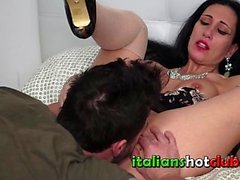 ITALIANSHOTCLUB Slutty MILF Luna Horny shaved pillua