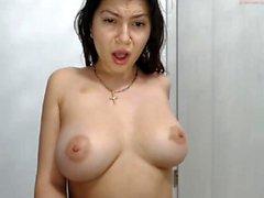 Amateur allissonhotbb blinken Titten auf Live-Webcam