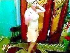 Árabes Unidos criancinha de dança 3 de
