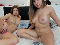 Amateur vicctoriaa blinkende Titten auf Live-Webcam
