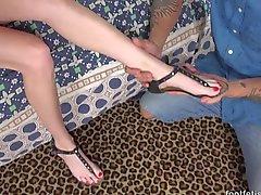 Каданс Люкс Есть ее ногами Поклоняться а Покрытый