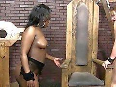 Ebony babes Pussy gegessen dann doggystyled