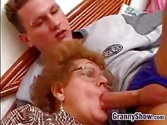 Der Großmutter Fucked By Enkel In Recht