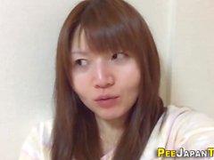 bardak Garip Asya pees