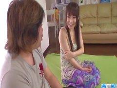 Ai Mizushima beseitigt Höschen nach einem schönen Fick von hinten