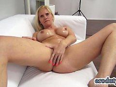 Big Tits Pornostar Casting und Cumshot