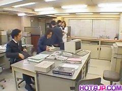 Misaki Inaba küsste von Polyamid