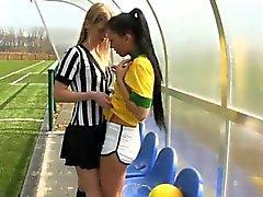 Бразильская игроком рвать судья