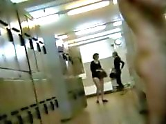 Att spionera underbar amatörer inom dressingroom