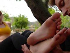 babes Trabajando con el pie pies cummed