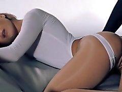 Besten strapon Pornostars geniessen perfekten lesbians verdammte
