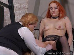 Лесбийские игры Piercing наказания и крайняя любительского BDSM