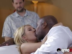 Blonde bitch Aalyah Love cuckolds her husband with bbc