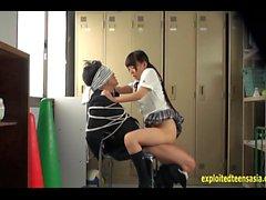 Jav Idol Schoolgirl fode Bound Guy com galo grande