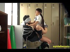 Jav Idol Schulmädchen fickt Bound Guy mit Big Cock