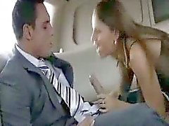 Hottie in der Limousine gefickt - sibel18 com
