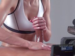 11 inches oily handjob by expert Lisa